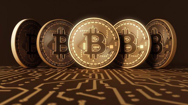 Bitcoin si mantiene sopra i 10,000 usd nonostante il crollo nel week end