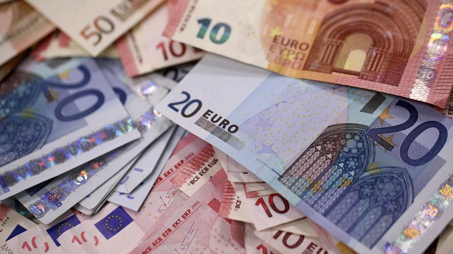 La moneta europea in crisi dopo il nuovo assestamento del parlamento
