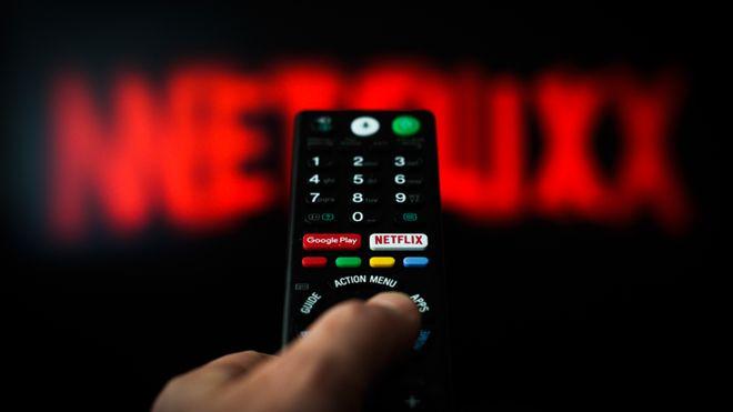 Netflix crolla in borsa e perde 17 miliardi di usd