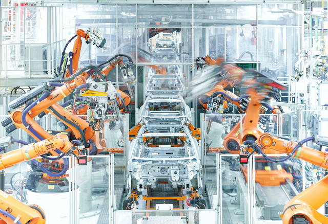 Continua il calo per le aziende automobilistiche