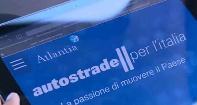 Atlantia crolla in Borsa: è scontro con il governo sulle concessioni