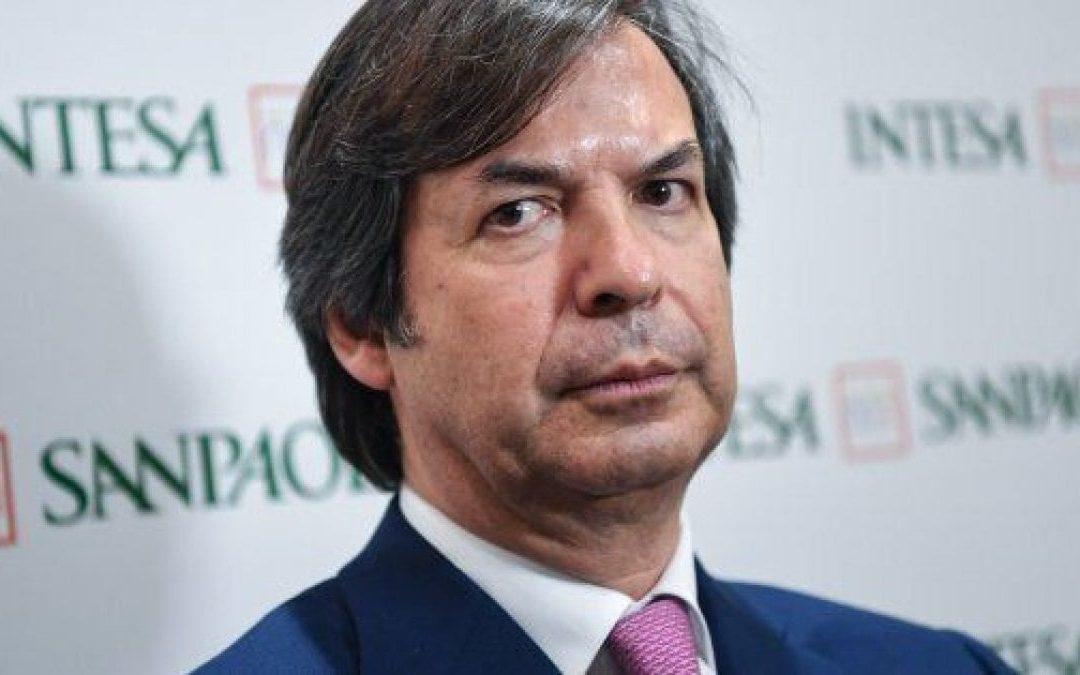 Azioni Intesa Sanpaolo: Carlo Messina accelera su UBI