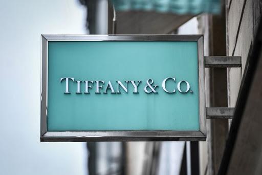 Azioni Tiffany a picco: LVMH incerta sull'acquisto