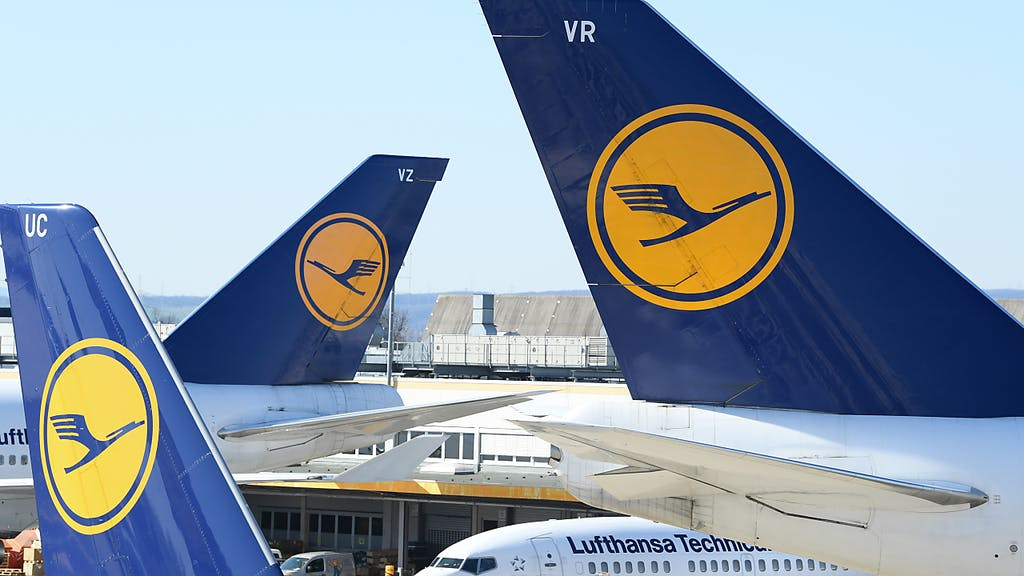 Lufthansa perde oltre 2 miliardi nel primo trimestre: è fuori dal Dax