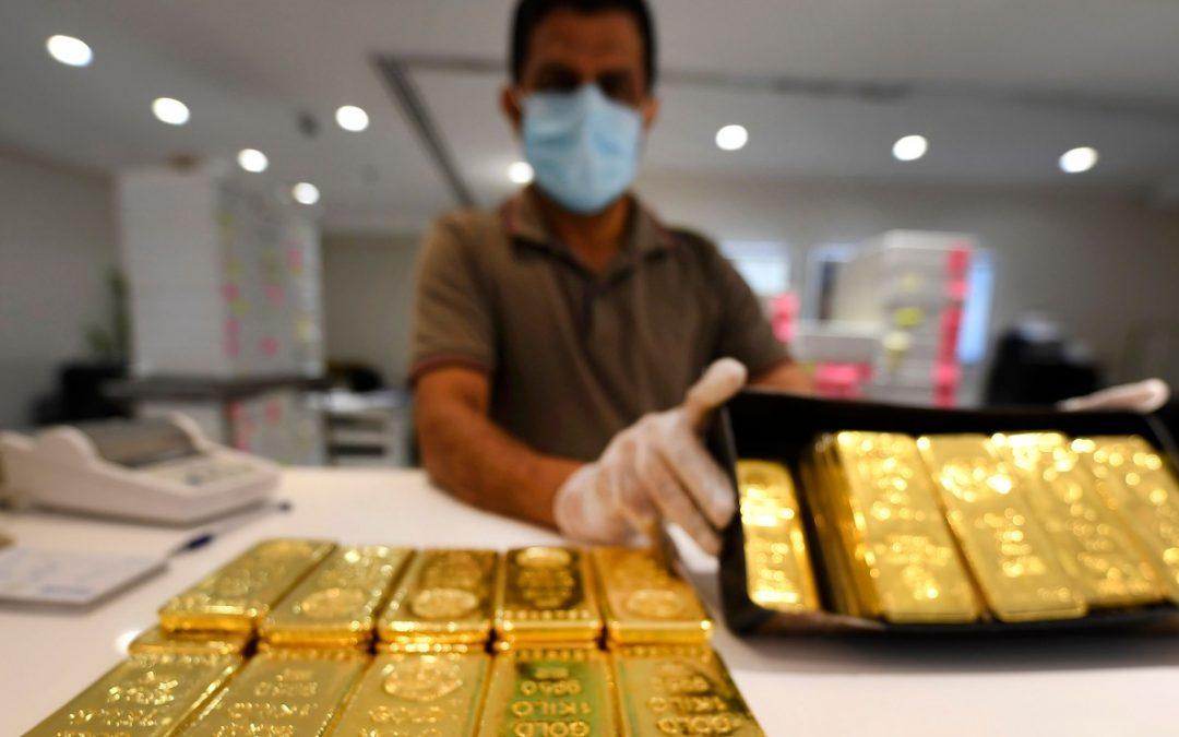 Prezzo Oro supera $ 1,800 e raggiunge il livello più alto dal 2011