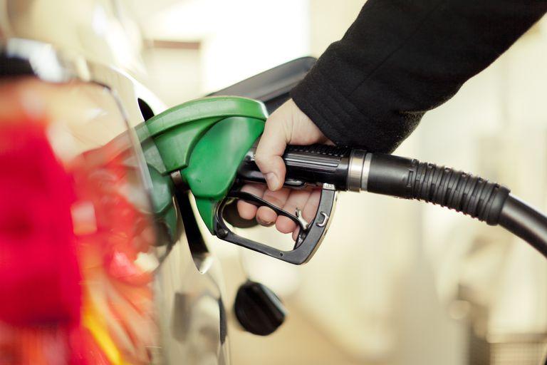 Prezzo Petrolio misto con il coronavirus che getta ombra su domanda USA
