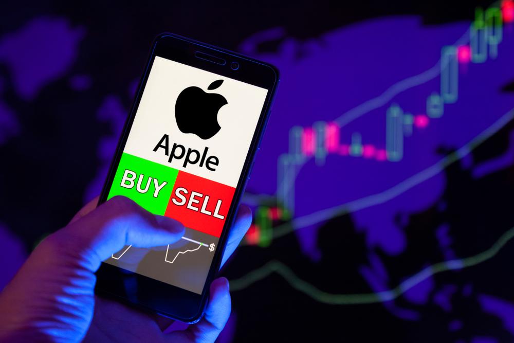 Azioni Apple toccano un nuovo massimo storico: i motivi