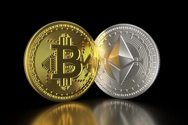 Bitcoin e Ethereum perdono il 12% in 6 minuti, liquidate 1mld di posizioni