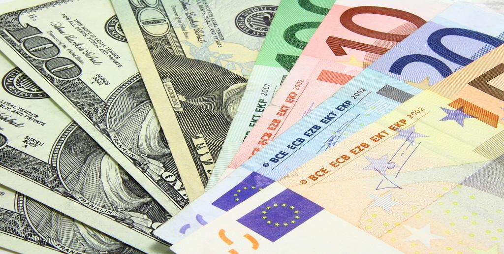 Cambio Euro Dollaro oggi 10 Agosto: il biglietto verde rimbalza?