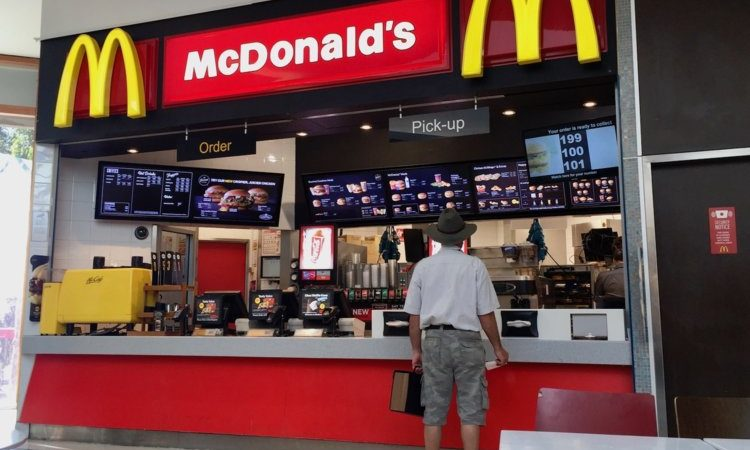 McDonald's indaga sull'ex CEO Steve Easterbrook