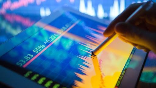 L'oro brilla sul calo del dollaro, lo stimolo globale supporta le azioni