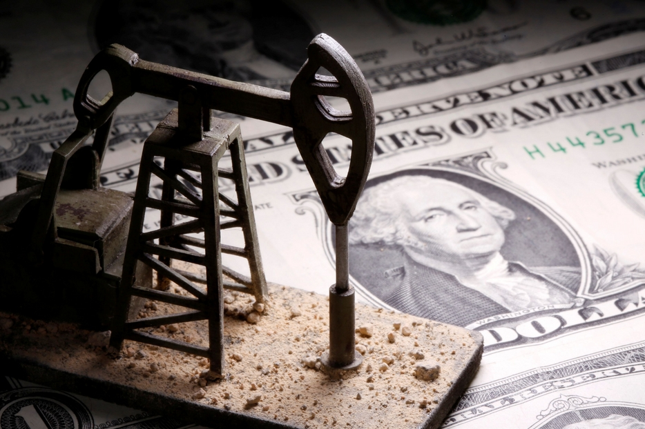 Petrolio, è ancora ribasso: la domanda è debole e l'Opec aumenta l'offerta