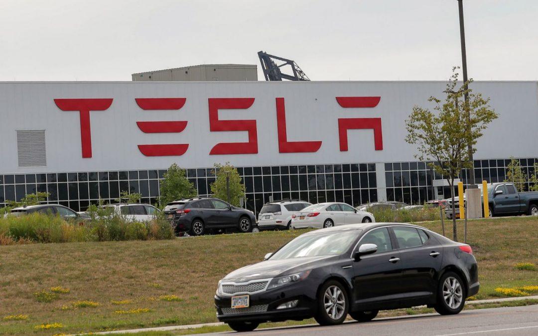 Tesla e l'industria automobilistica potrebbero trarre vantaggio dalla vittoria di Biden
