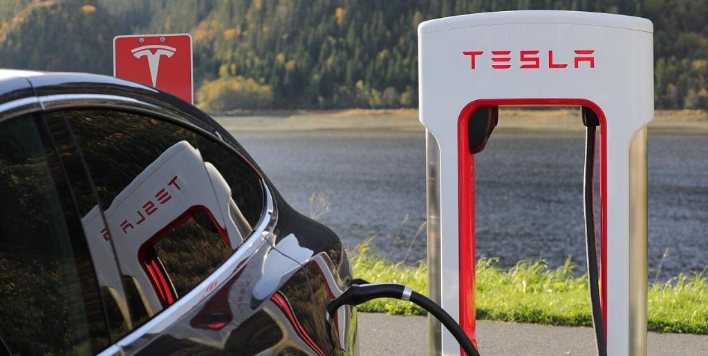 Tesla, i profitti non giustificano la valutazione
