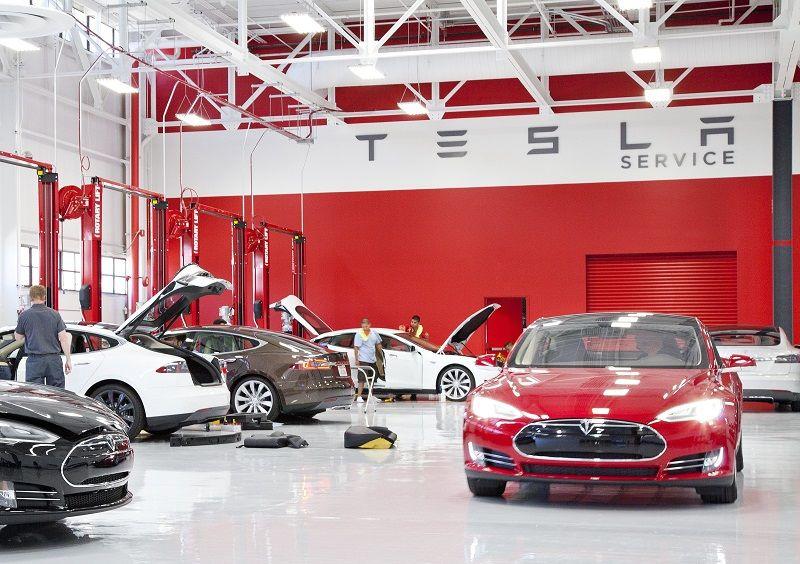 Tesla, prevista apertura di 52 nuovi centri di assistenza nel 2021