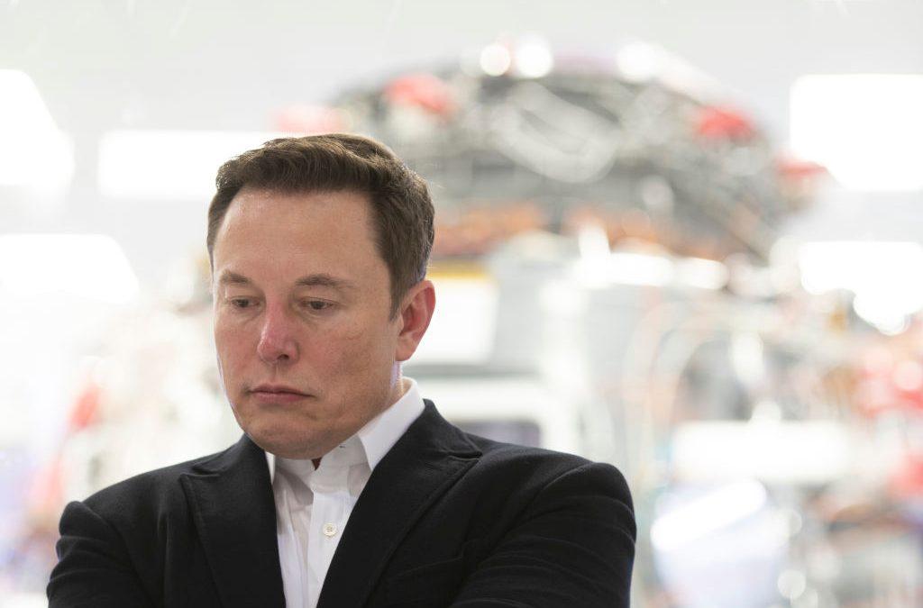 Azioni Tesla, bruciati già 7,4 miliardi di dollari
