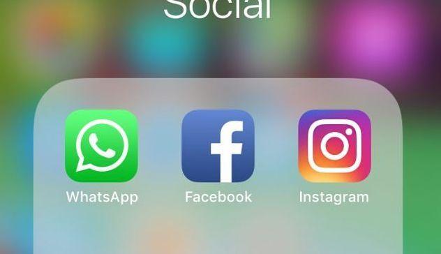 Facebook in tribunale, potrebbe dover vendere Instagram e WhatsApp