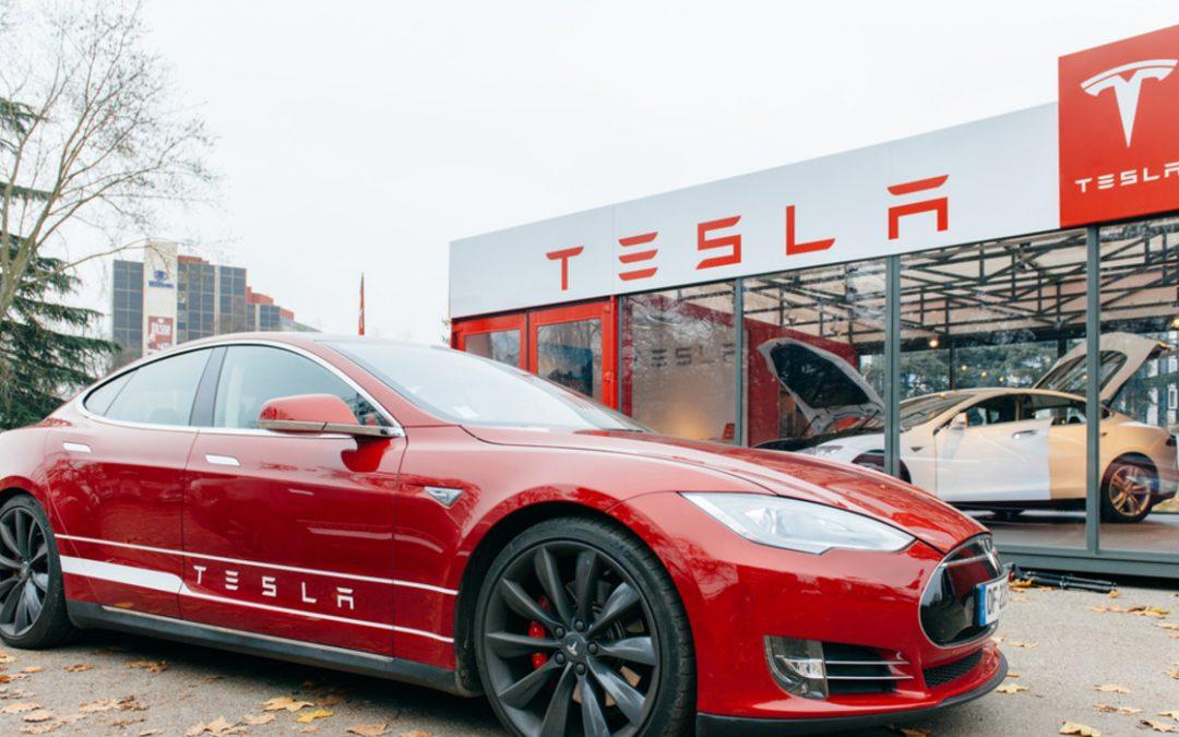 Tesla lancia la seconda vendita di azioni da 5 miliardi di dollari in tre mesi
