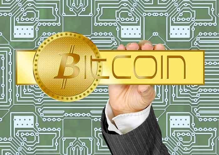 Bitcoin, drastica inversione: la criptovaluta in calo del 12%