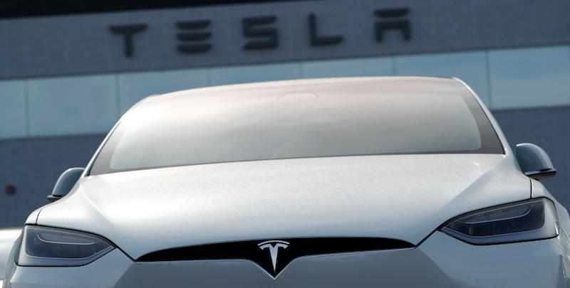 Tesla, gli utili del Q4 si avvicinano: giustificheranno l'aumento del titolo?