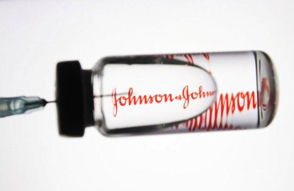 Johnson & Johnson, i pro e i contro del candidato vaccino