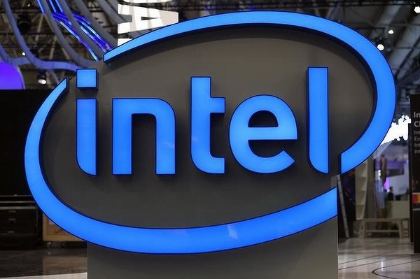 Azioni Intel, anteprima utili Q1: ottimismo sulla crescita