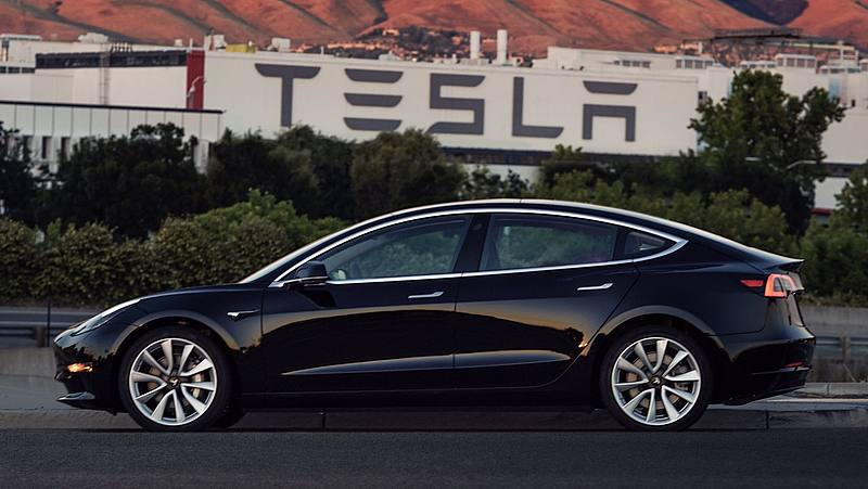 Tesla, consegne record nel primo trimestre 2021