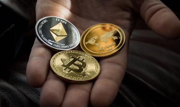 Criptovalute, Dogecoin in rally oscura BTC