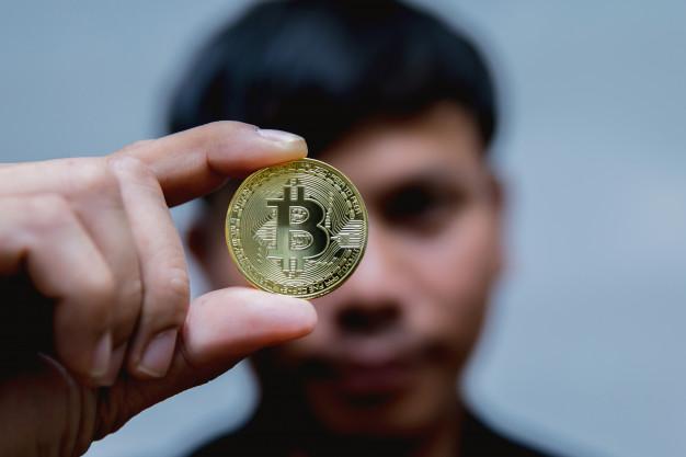 Bitcoin, MicroStrategy aumenta le obbligazioni, El Salvador legalizza la valuta
