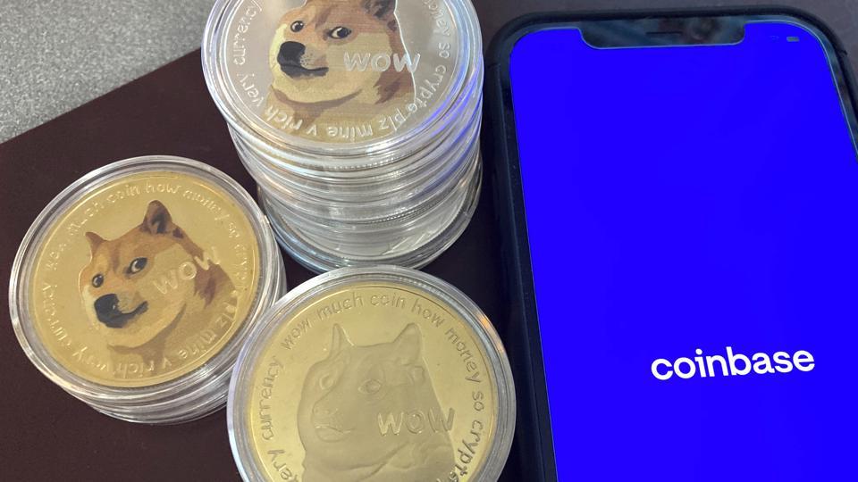 Criptovalute, Coinbase apre a Dogecoin dopo il rally di quest'anno