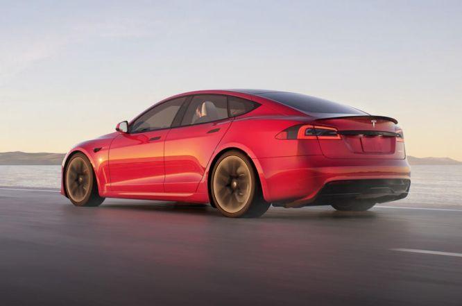 Tesla, è il giorno di Model S Plaid: alle 19 la presentazione