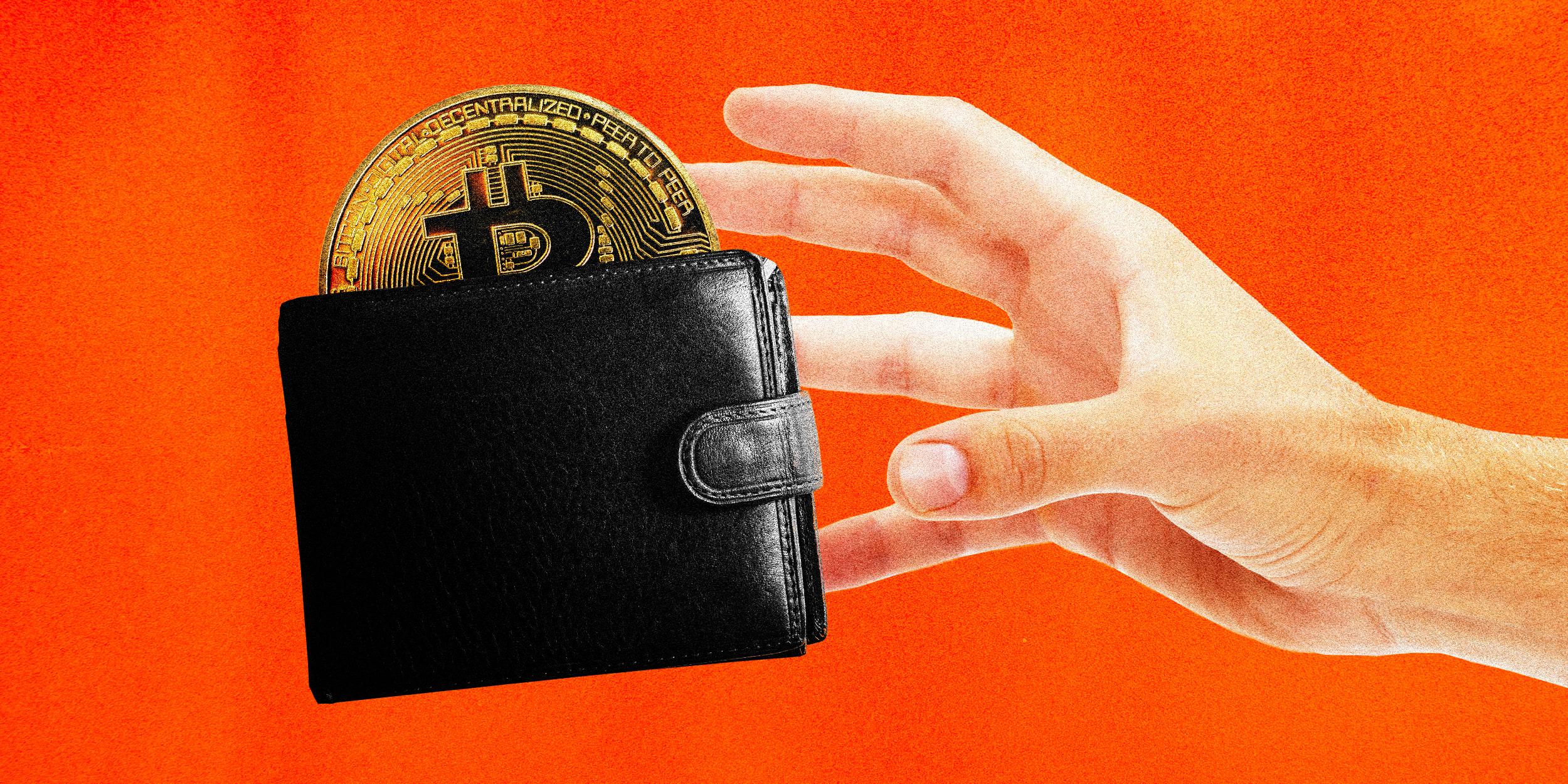 Bitcoin, l'allarme lanciato dall'FBI: impennata per la criminalità informatica